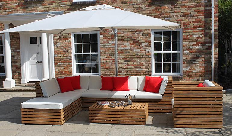 Садовый диван из тика
