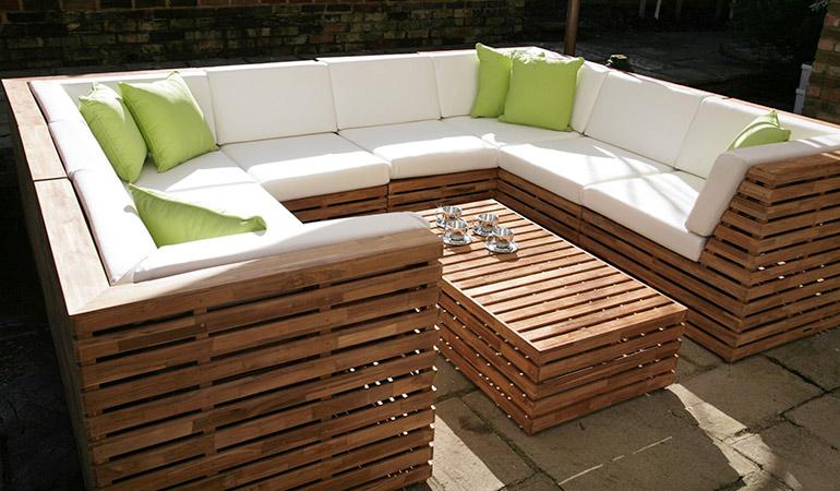 Садовый диван тик