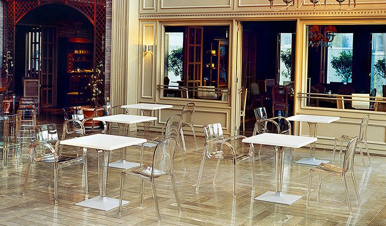 Столик квадратный Westminster