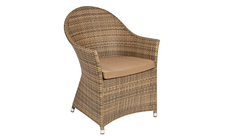 Кресло с полукруглой спинкой